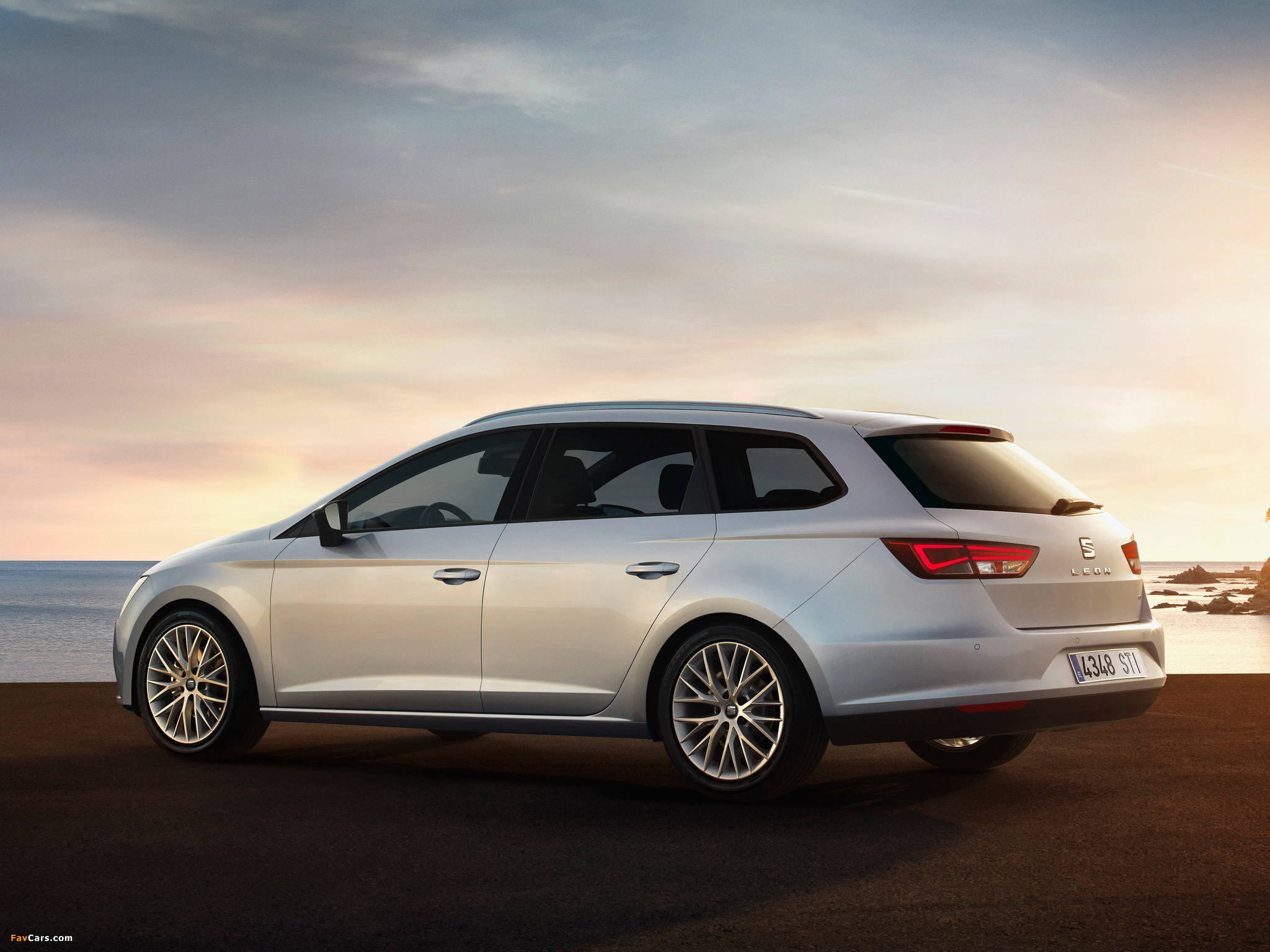 Seat Leon ST 2013 wallpapers (2048 x 1536)