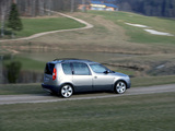 Photos of Škoda Roomster Scout 2007–10
