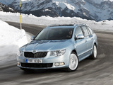 Škoda Superb Combi 4x4 2010–13 images