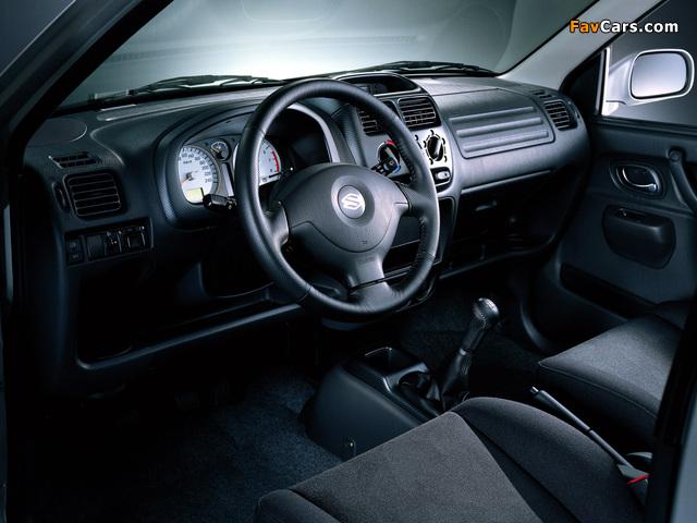 Images of Suzuki Ignis 3-door (HT51S) 2000–03 (640 x 480)