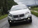 Suzuki SX4 ZA-spec 2014 pictures