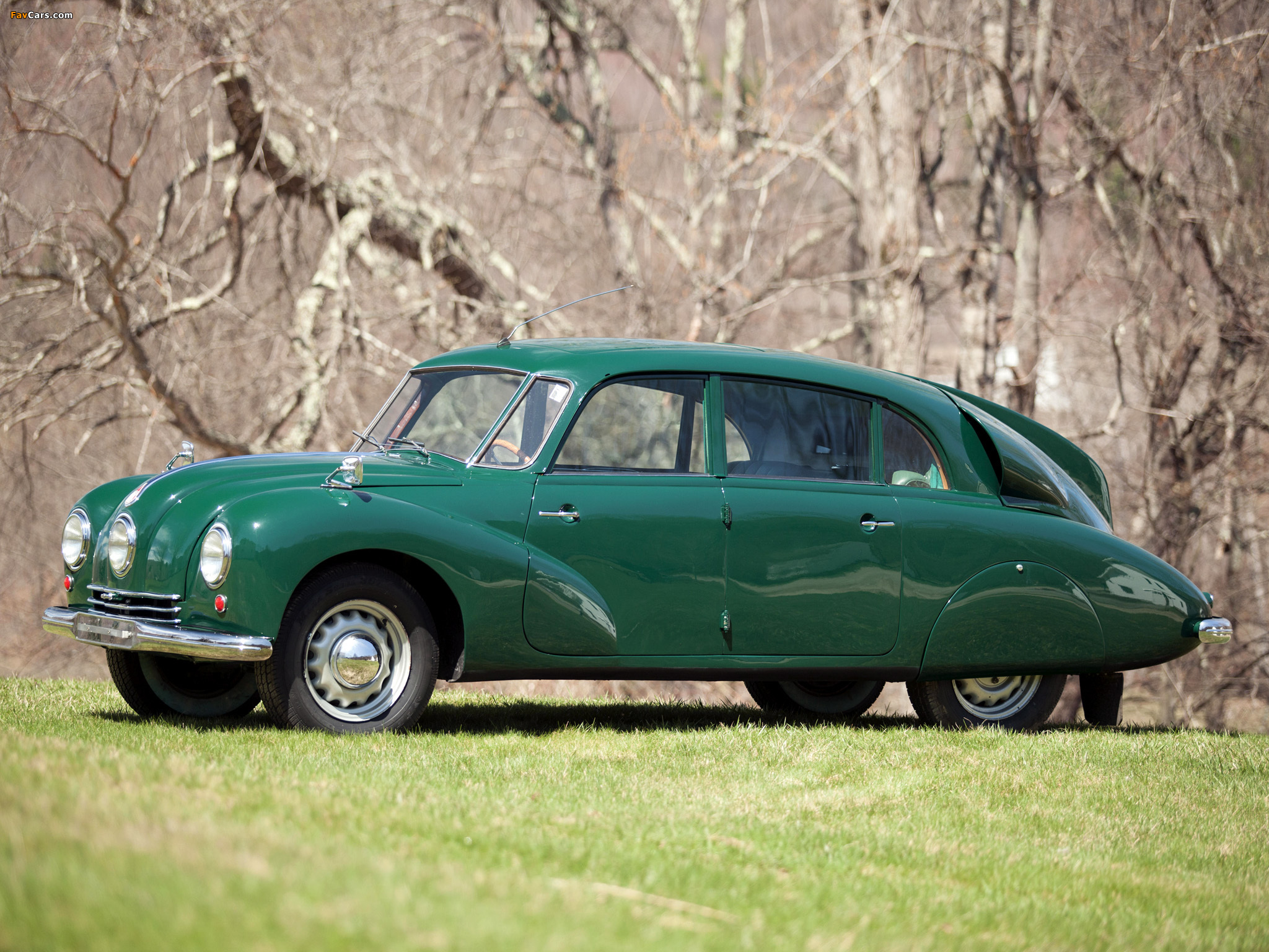 Tatra T87 1936–50 photos (2048 x 1536)