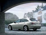 Pictures of Toyota Altezza Gita AS300 (JCE10W) 2001–05