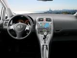 Images of Toyota Auris 5-door 2007–10