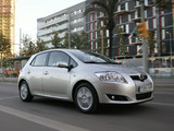 Images of Toyota Auris 5-door 2007–10