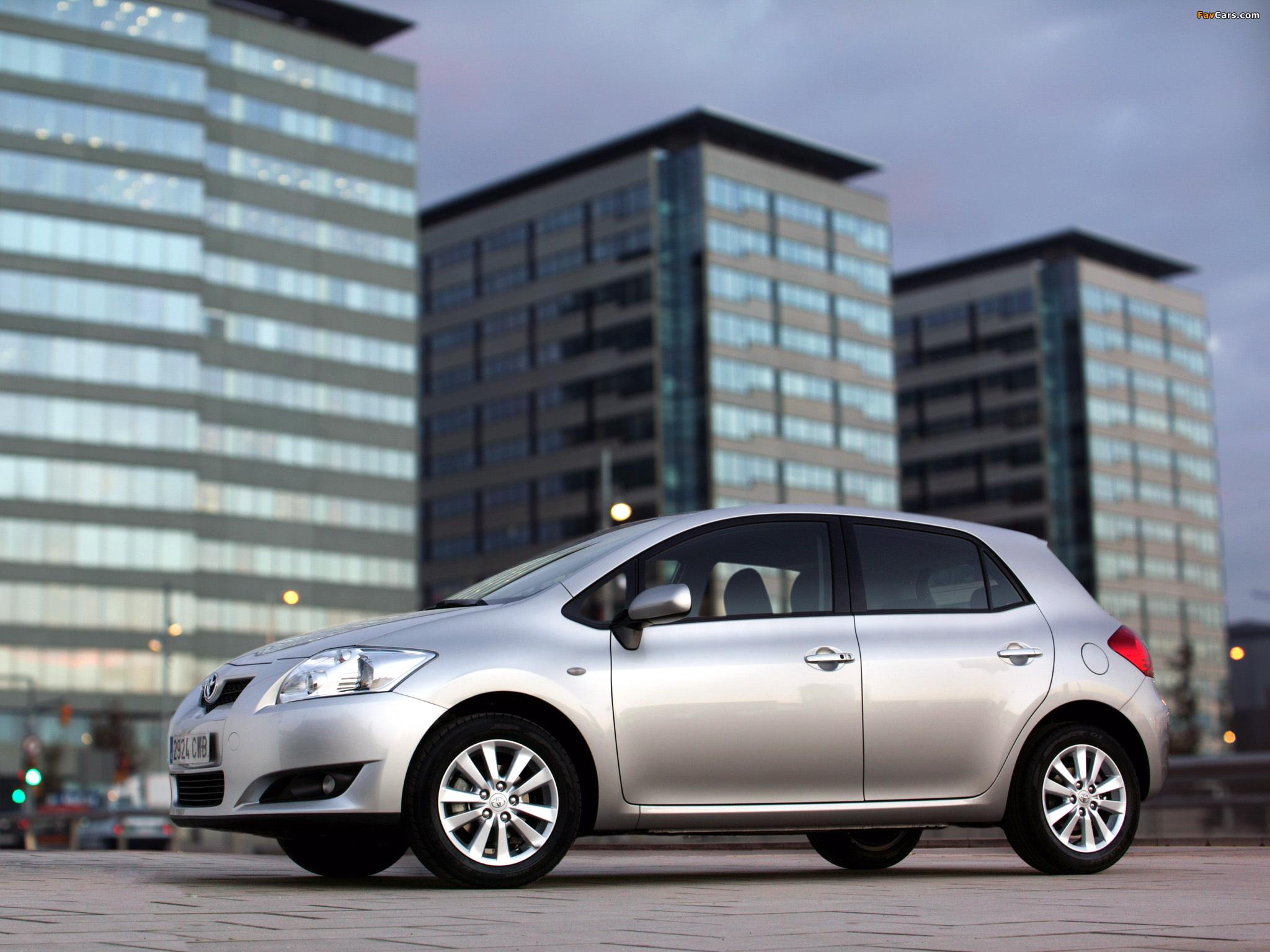 Images of Toyota Auris 5-door 2007–10 (2048 x 1536)