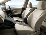 Images of Toyota Auris JP-spec 2009–12