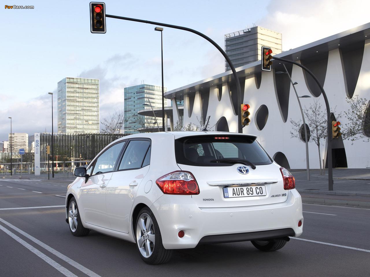 Toyota Аурис и Королла сРавнить #8