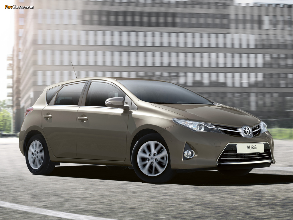 Images of Toyota Auris 2012 (1024 x 768)