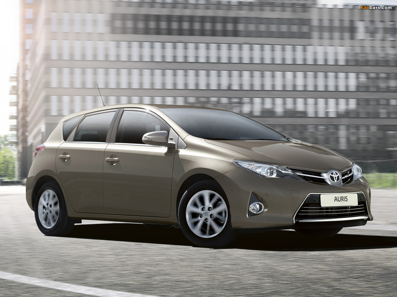 Images of Toyota Auris 2012 (1280 x 960)