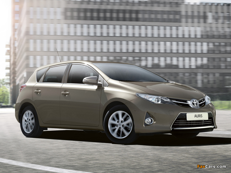 Images of Toyota Auris 2012 (800 x 600)