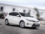 Images of Toyota Auris Hybrid 2012