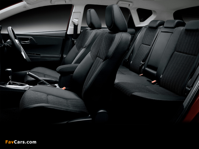 Images of Toyota Auris 180 G S Package JP-spec 2012 (640 x 480)