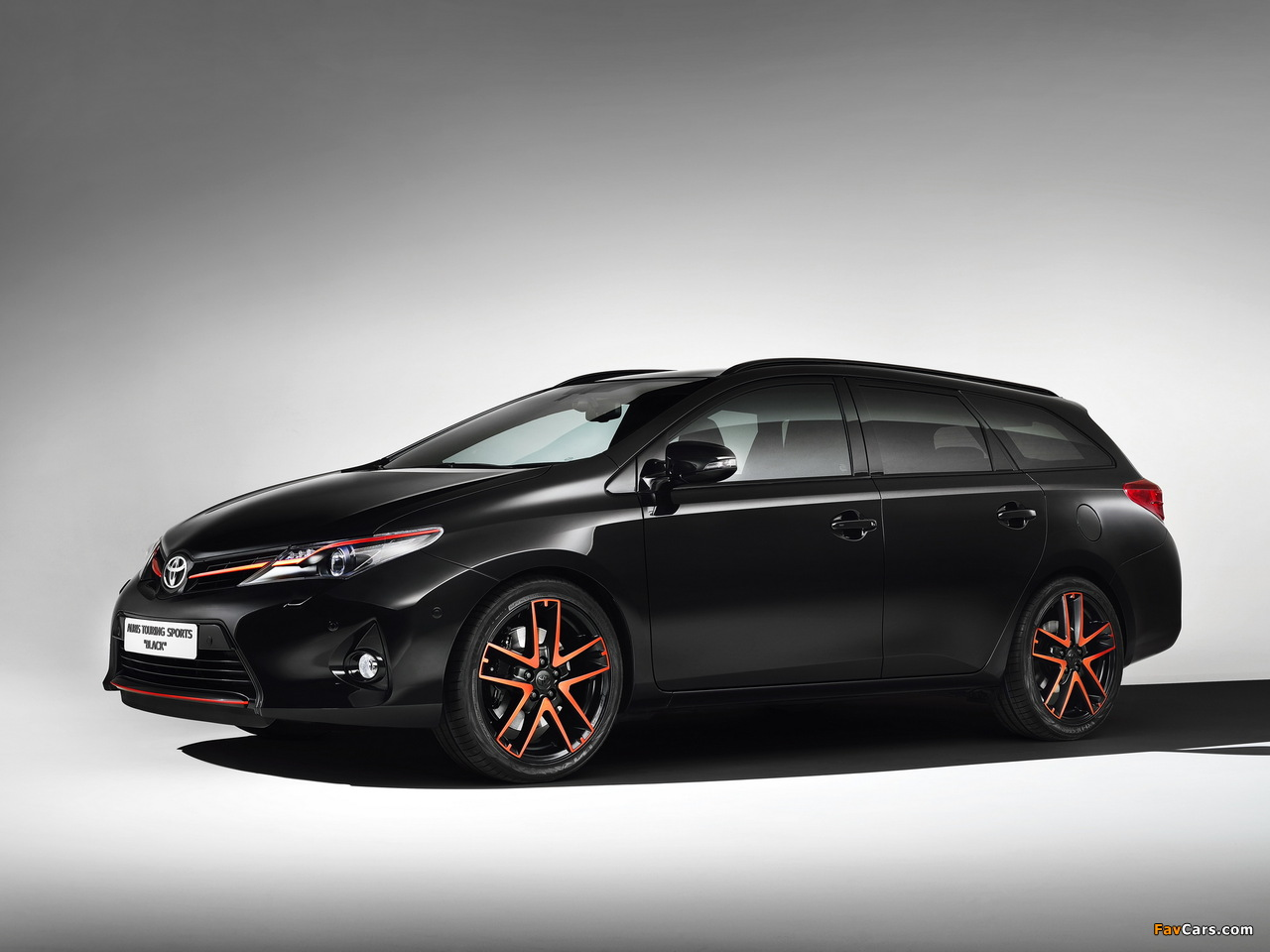 Images of Toyota Auris Touring Sports Black Concept 2013 (1280 x 960)