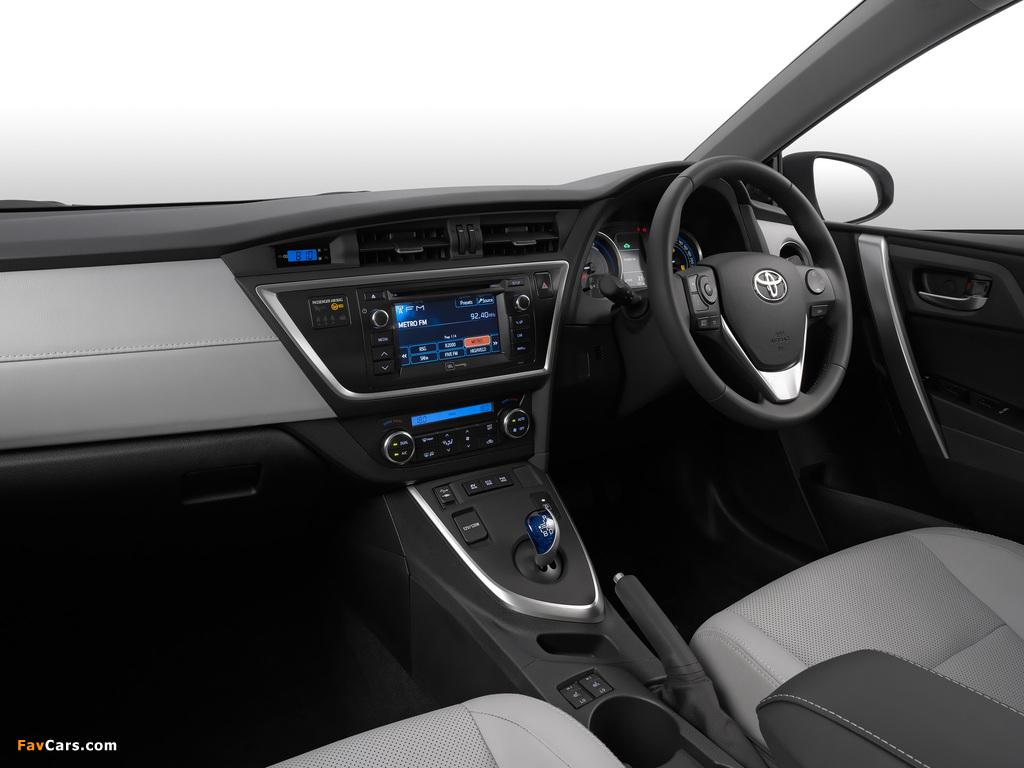 Images of Toyota Auris Hybrid ZA-spec 2013 (1024 x 768)