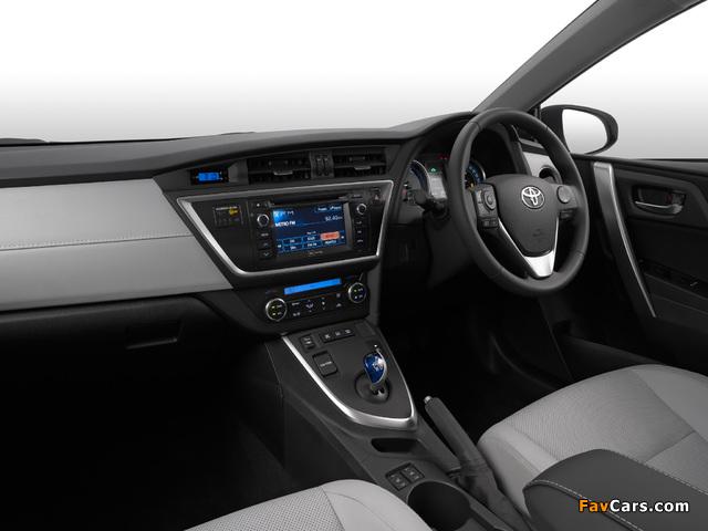 Images of Toyota Auris Hybrid ZA-spec 2013 (640 x 480)