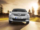 Photos of Toyota Auris 5-door 2010–12