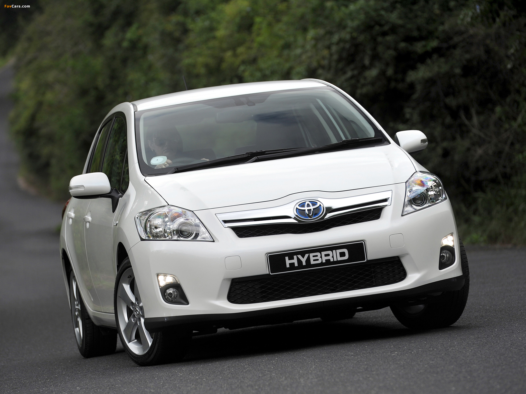 Photos of Toyota Auris HSD ZA-spec 2011 (2048 x 1536)