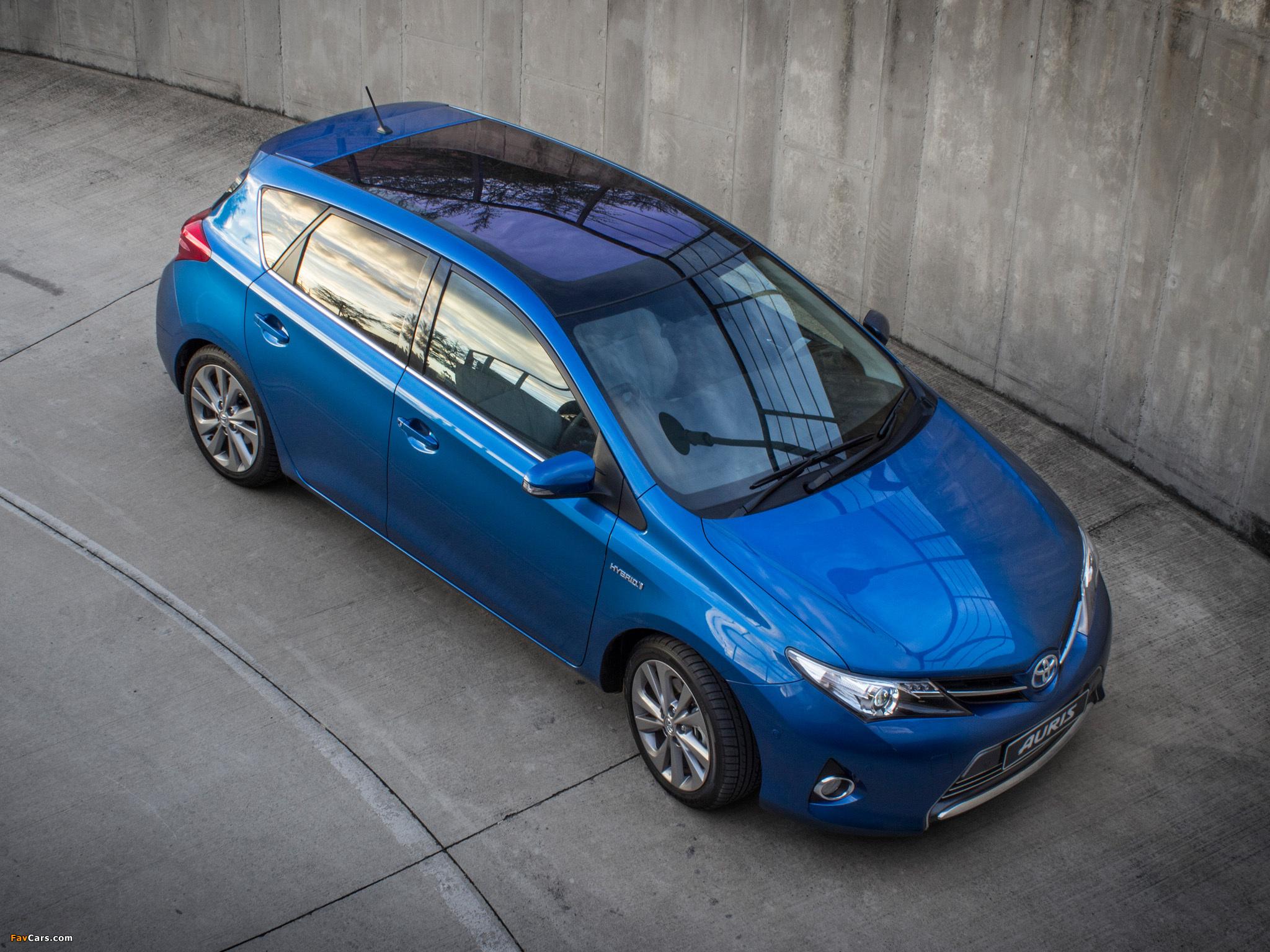 Photos of Toyota Auris Hybrid ZA-spec 2013 (2048 x 1536)