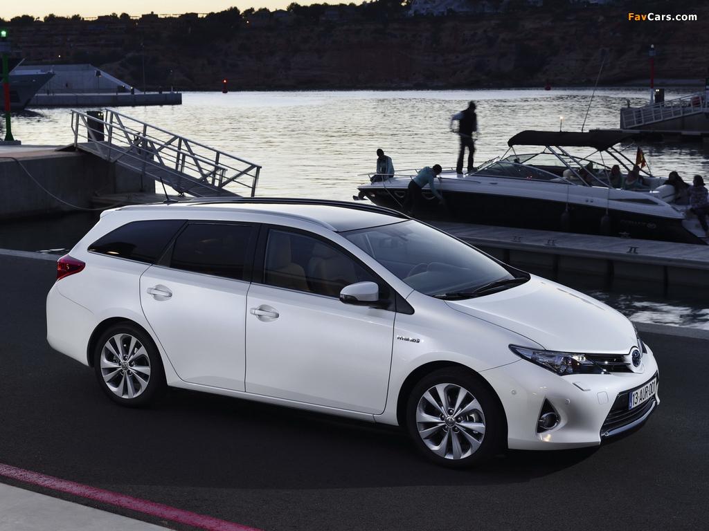 Photos of Toyota Auris Touring Sports Hybrid 2013 (1024 x 768)