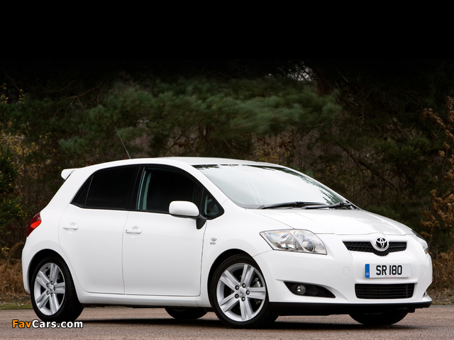 Pictures of Toyota Auris SR180 2008–10 (640 x 480)