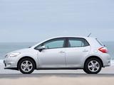 Pictures of Toyota Auris 5-door UK-spec 2010–12