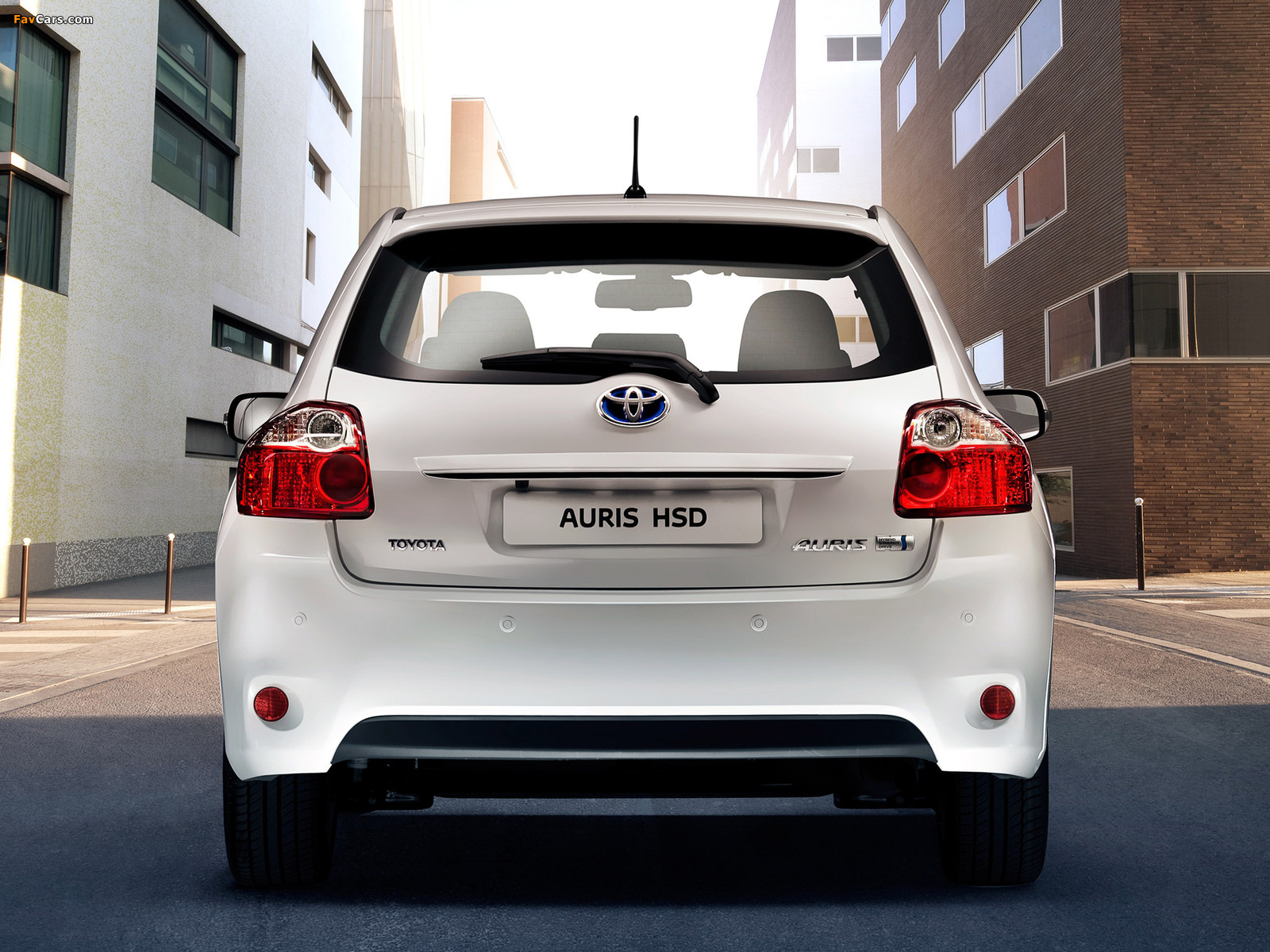 Pictures of Toyota Auris HSD 2010–12 (1600 x 1200)