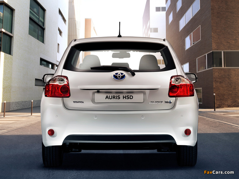 Pictures of Toyota Auris HSD 2010–12 (800 x 600)