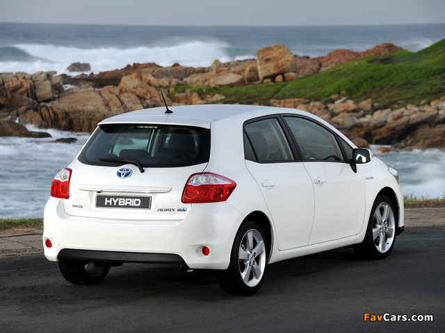 Pictures of Toyota Auris HSD ZA-spec 2011 (640 x 480)