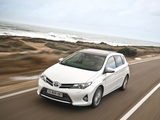 Pictures of Toyota Auris Hybrid 2012