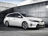 Pictures of Toyota Auris Touring Sports Hybrid 2012