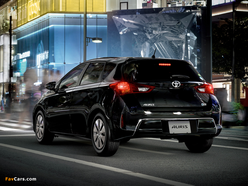 Pictures of Toyota Auris 150 X JP-spec 2012 (800 x 600)