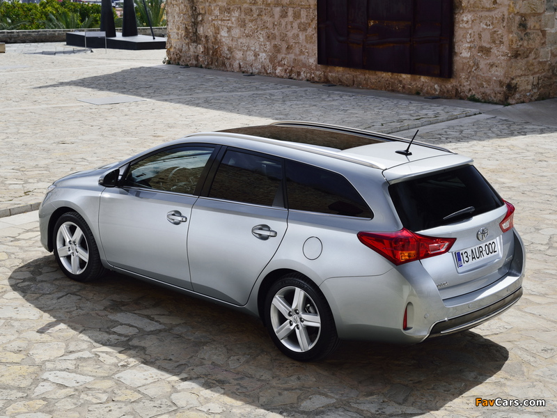Pictures of Toyota Auris Touring Sports 2013 (800 x 600)