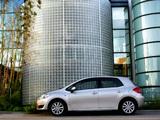 Toyota Auris 5-door 2007–10 images