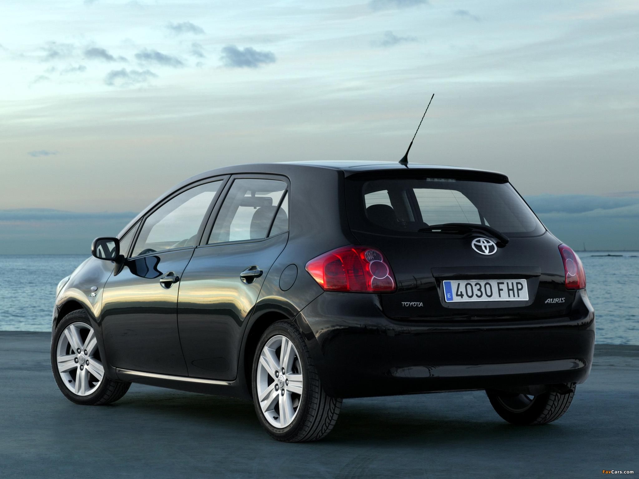 Toyota Auris 5-door 2007–10 images (2048 x 1536)