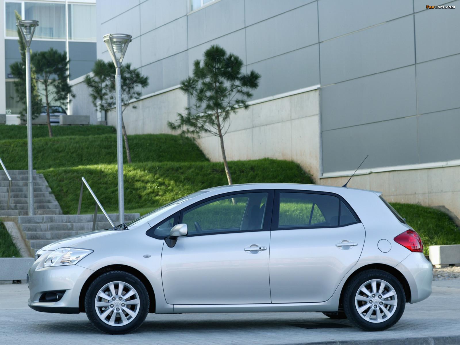 Toyota Auris 5-door 2007–10 photos (1600 x 1200)