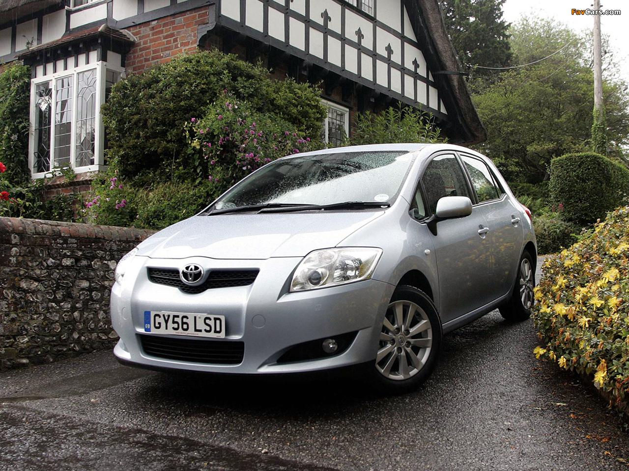 Toyota Auris 5-door UK-spec 2007–10 pictures (1280 x 960)