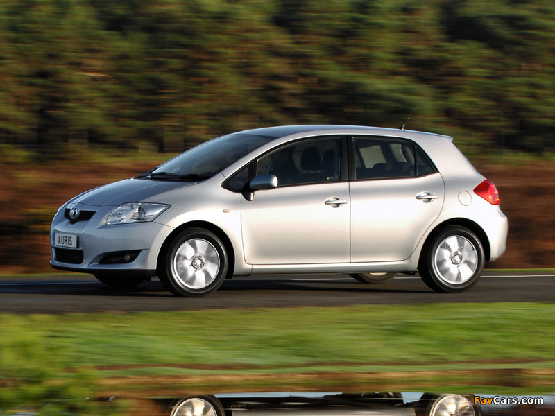 Toyota Auris 5-door UK-spec 2007–10 pictures (800 x 600)