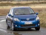 Toyota Auris 5-door UK-spec 2010–12 images
