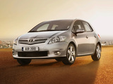 Toyota Auris 5-door 2010–12 pictures