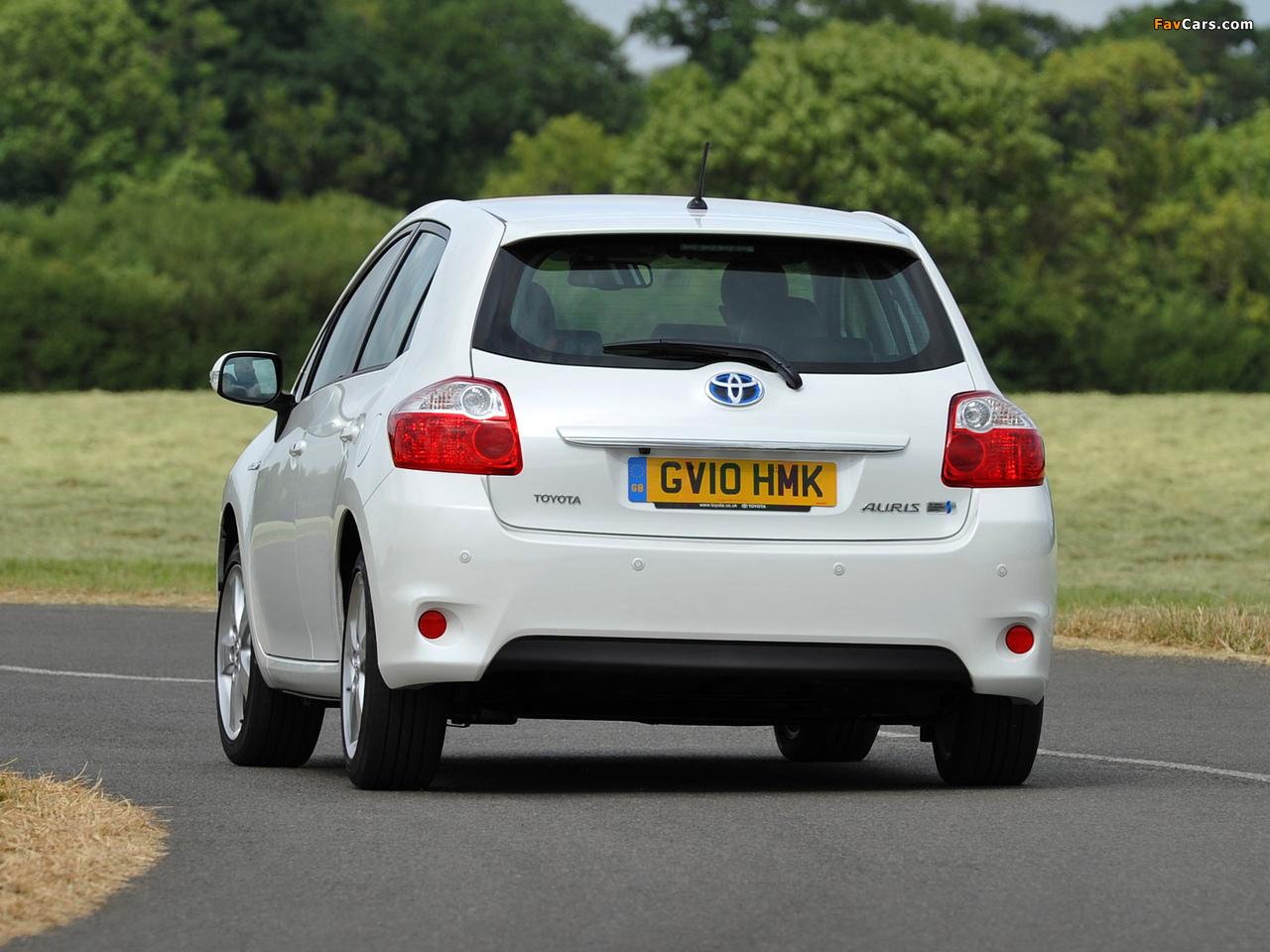 Toyota Auris HSD UK-spec 2010–12 pictures (1280 x 960)