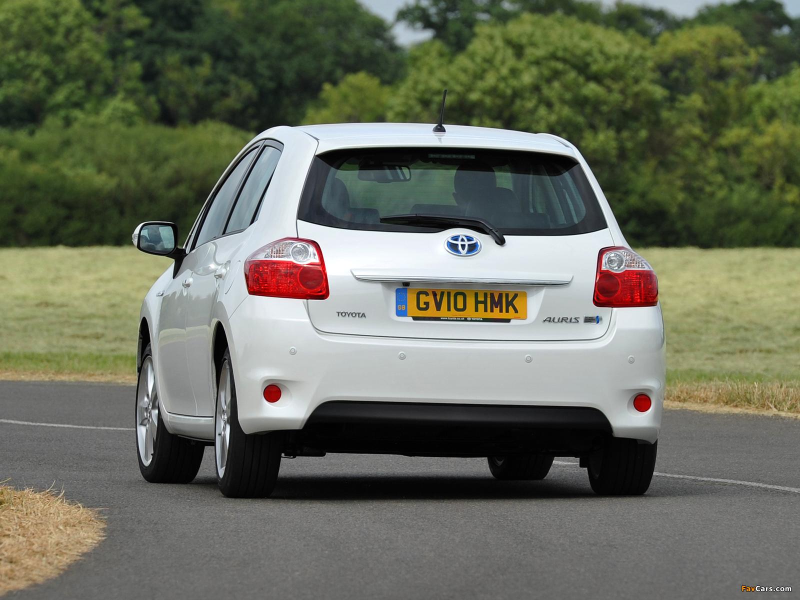 Toyota Auris HSD UK-spec 2010–12 pictures (1600 x 1200)