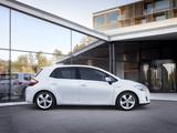 Toyota Auris HSD 2010–12 pictures