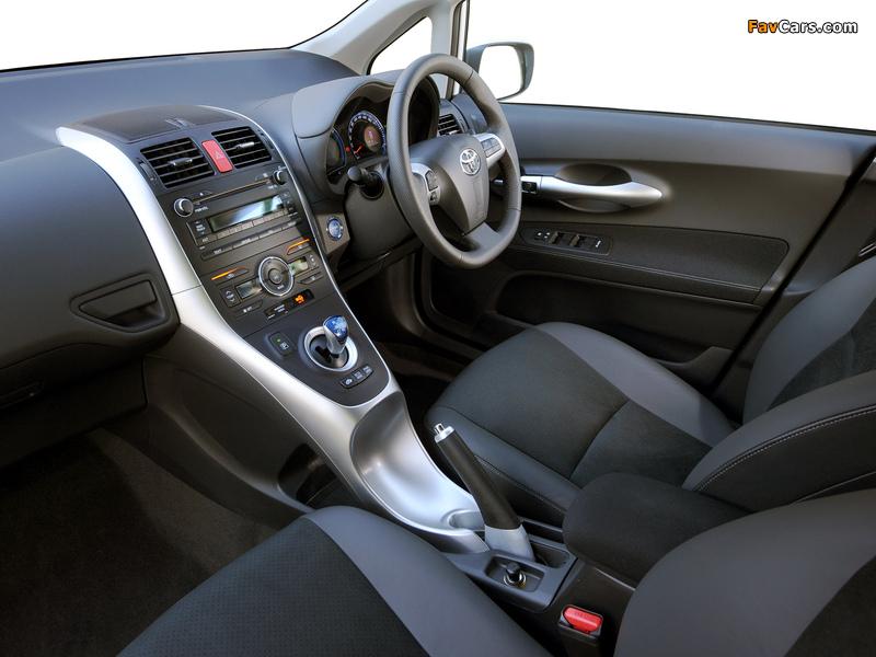 Toyota Auris HSD ZA-spec 2011 images (800 x 600)