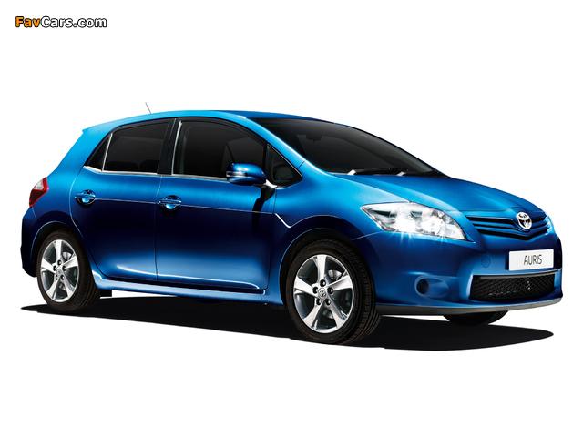 Toyota Auris Edition 5-door 2011–12 photos (640 x 480)