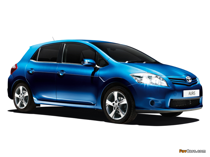 Toyota Auris Edition 5-door 2011–12 photos (800 x 600)