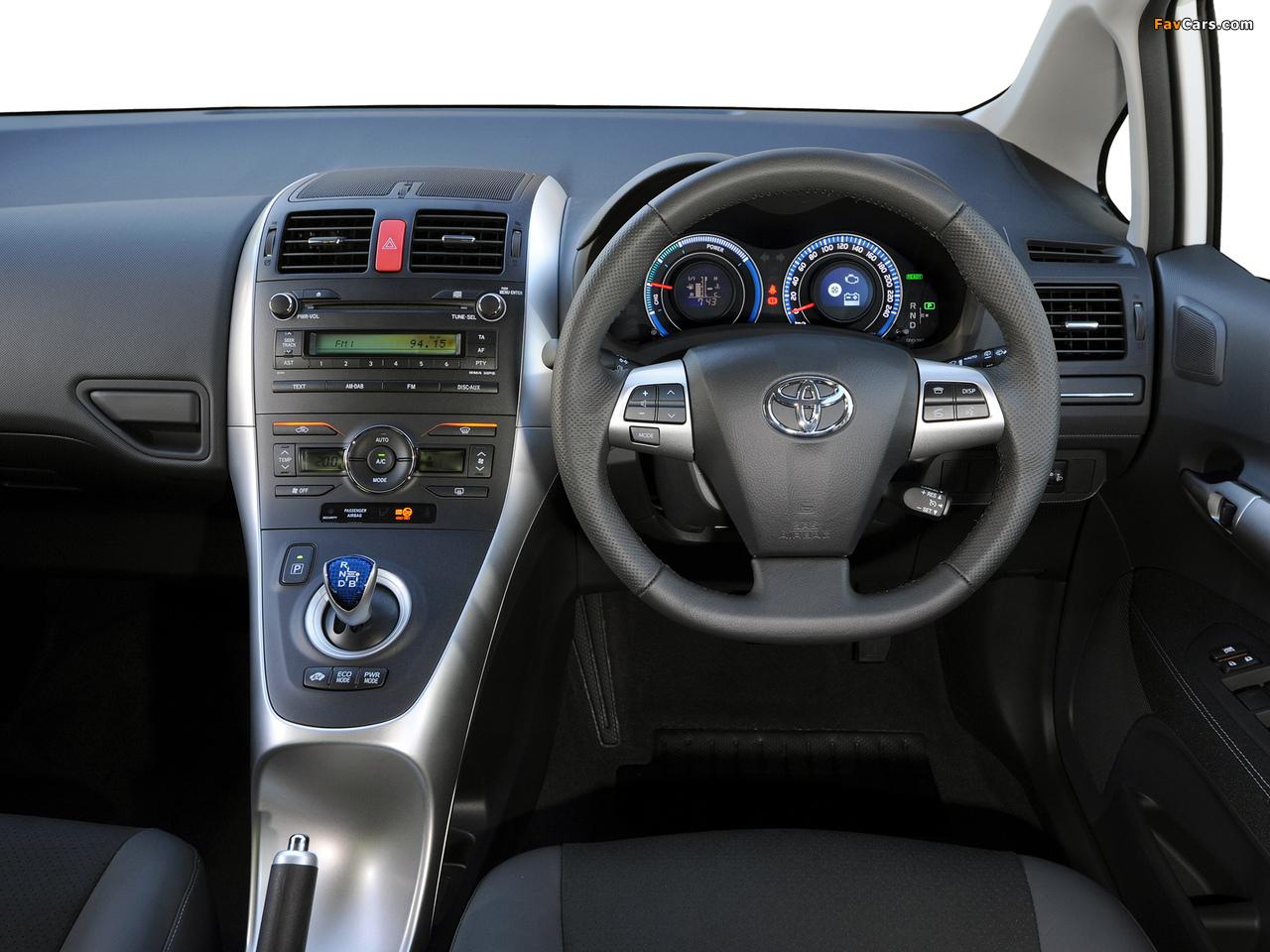 Toyota Auris HSD ZA-spec 2011 wallpapers (1280 x 960)