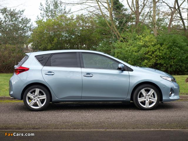 Toyota Auris UK-spec 2012 photos (640 x 480)