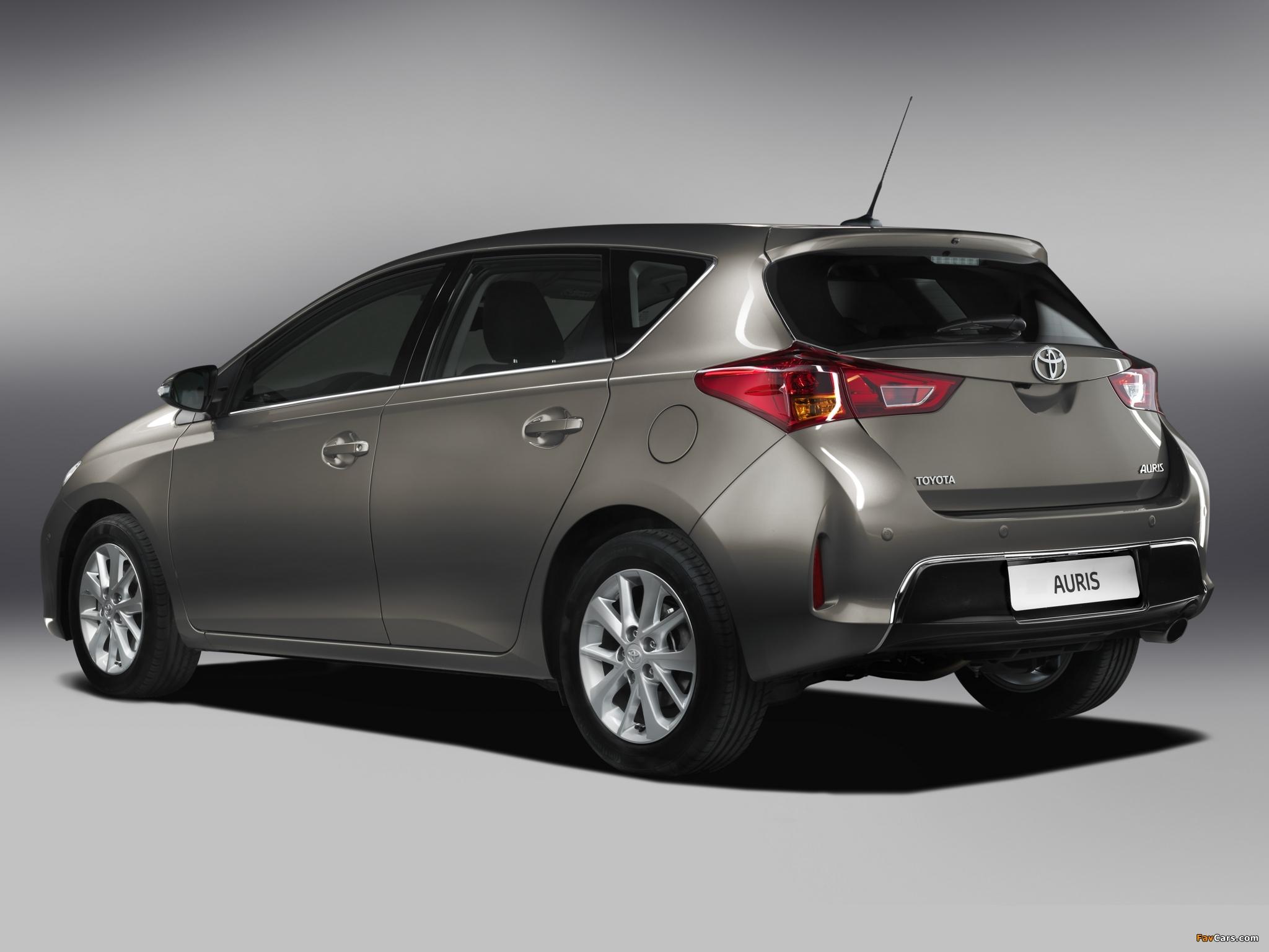 Toyota Auris 2012 pictures (2048 x 1536)