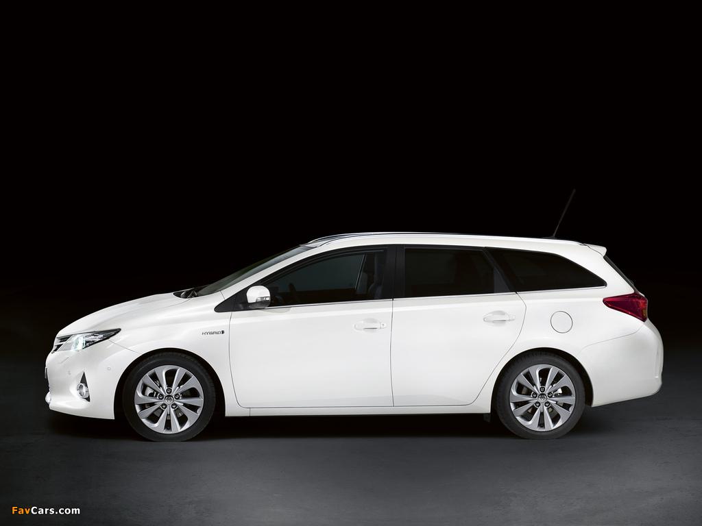 Toyota Auris Touring Sports Hybrid 2012 wallpapers (1024 x 768)